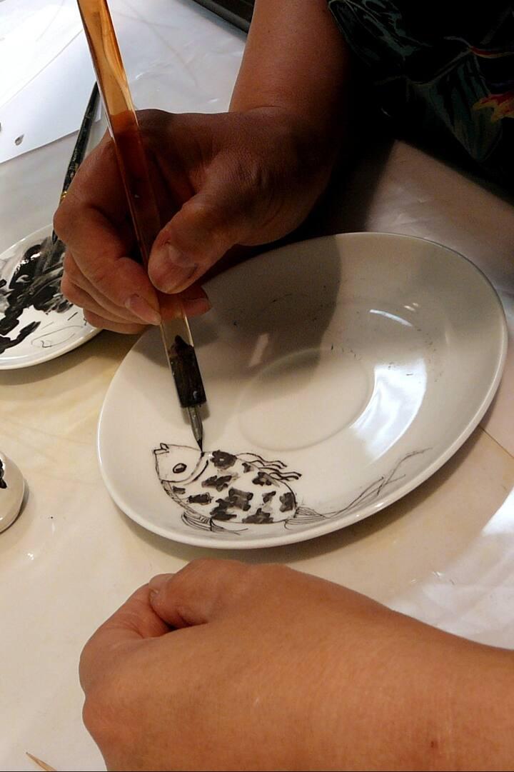 Роспись фарфорового блюдца