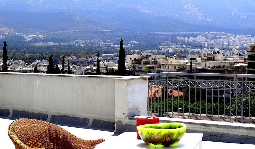 Cosy central top floor studio - Athens - Apartmen