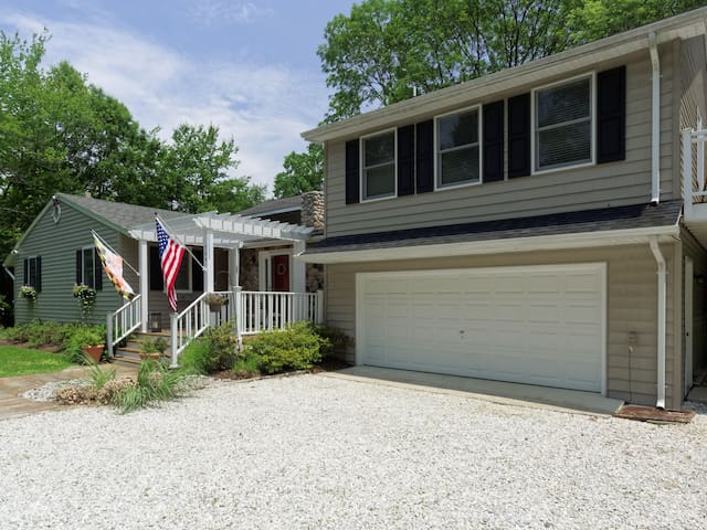 Chesapeake Waterfront Home - 4 BR - Near Annapolis - Edgewater - Huis