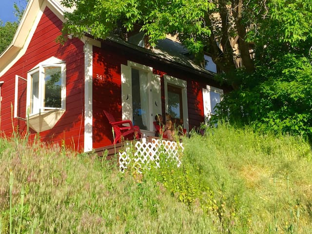 Romantic historic cottage: Old Town PC