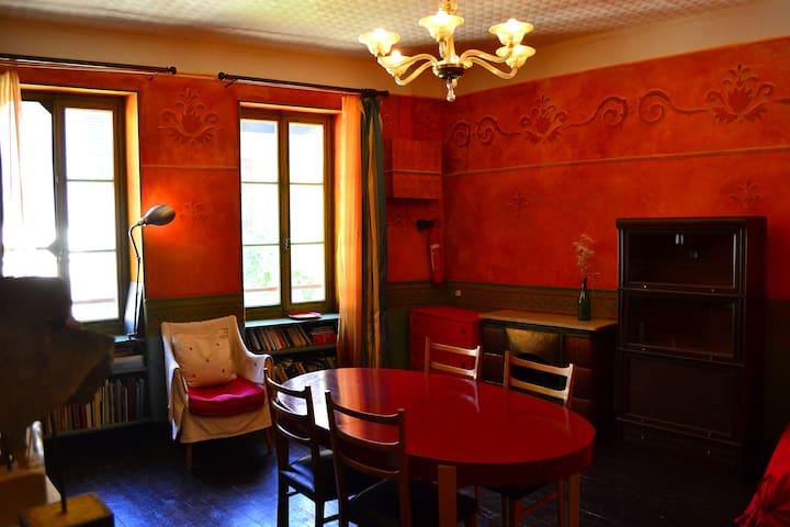Appartement vintage en centre ville - Saint-Pierre-d'Albigny - Departamento