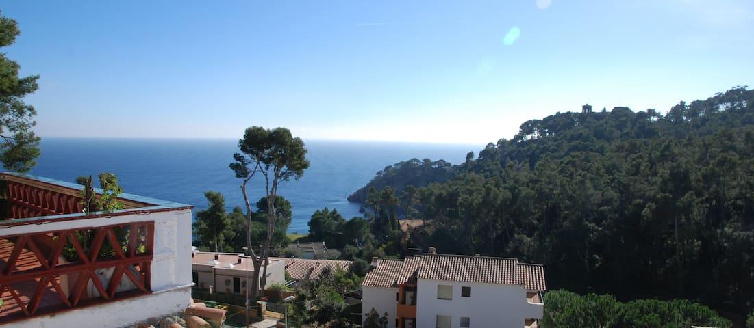 80m²+30m² terrasse -vue mer-piscine - Palafrugell - House