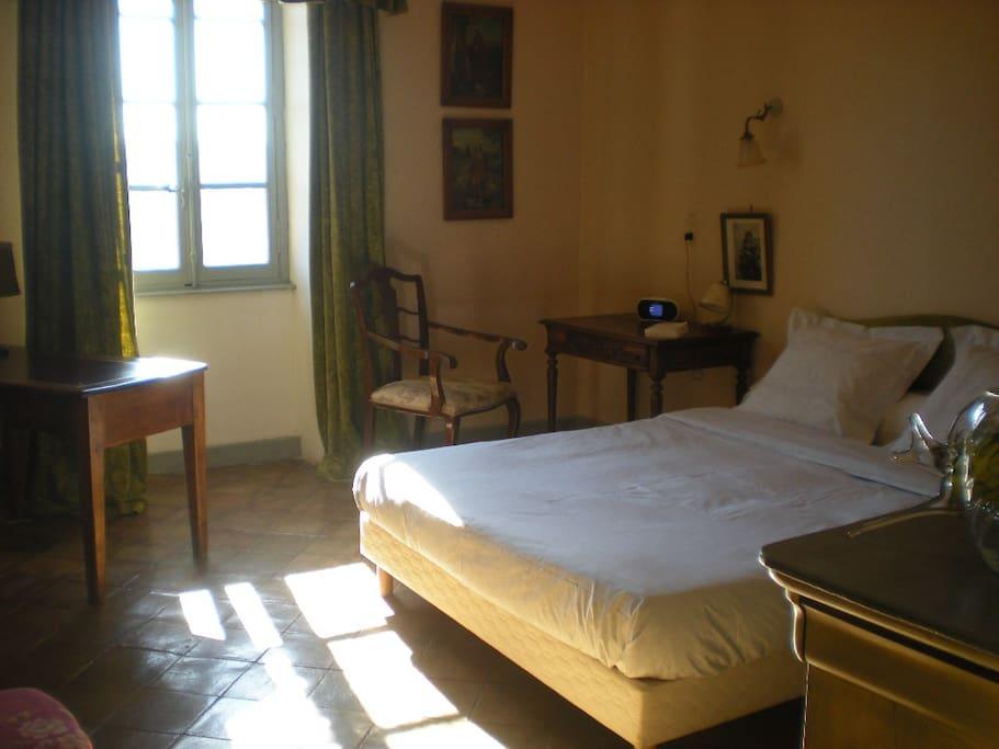 domaine d 39 audabiac pr s d 39 uz s chambres d 39 h tes louer lussan languedoc roussillon france. Black Bedroom Furniture Sets. Home Design Ideas