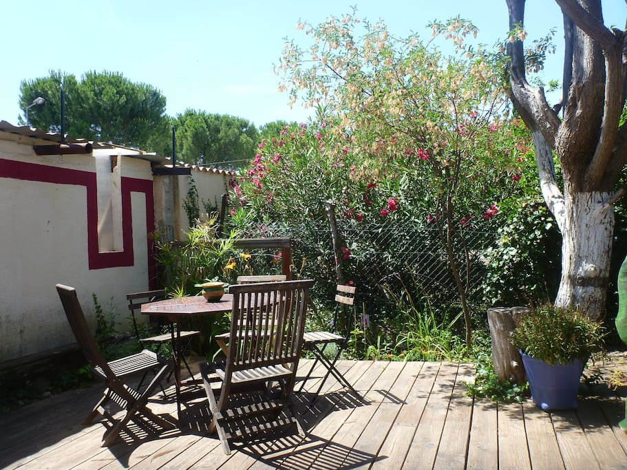 Appartement entre ville et nature flats for rent in for Piscine st jean de vedas