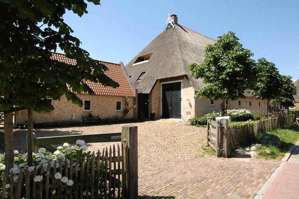 Riante woonboerderij in gaasterland huizen te huur in for Huizen te koop friesland