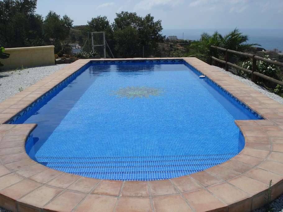 Villa zapata houses for rent in torrox andaluc a spain for Alberca zapata