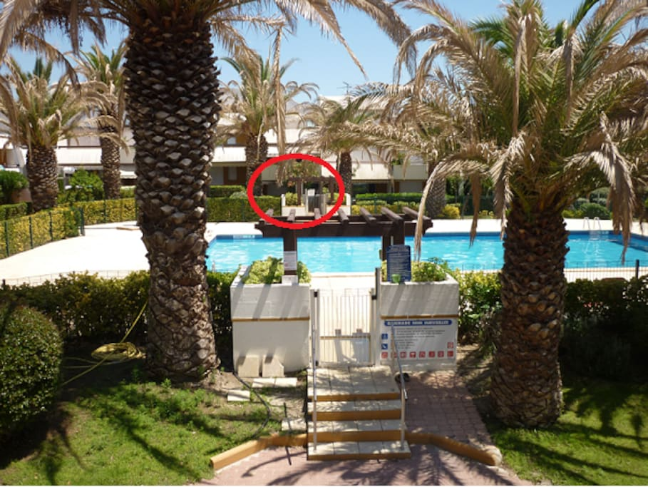 Beau studio cabine avec piscine apartments for rent in for Camping la grande motte avec piscine