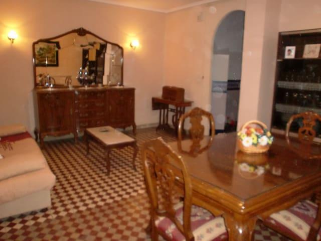 Casa centenaria, justo en el centro - Nàquera - Dom