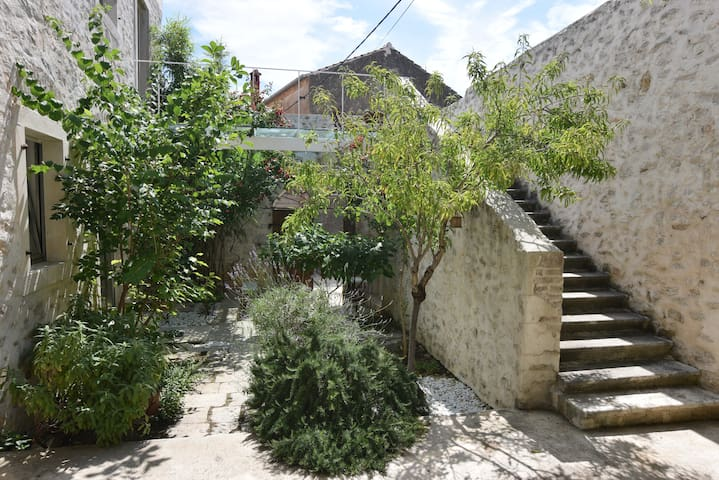 Luna's Garden Studio Apartment 2 - Zadar - Bed & Breakfast