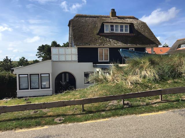 Ingang appartement Huize ZeeLeven