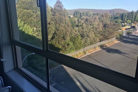 SPACIOUS APARTMENT TOP FLOOR  - EXCELLENT LOCATION - Queanbeyan - Apartemen