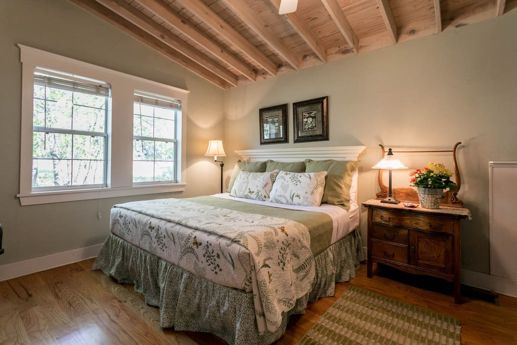 Bedroom featuring a king size bed