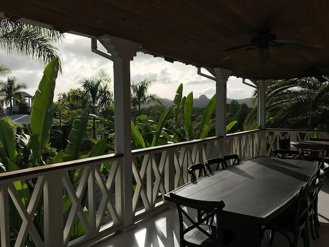 150 acre Horizonte Eco Lodge coffee plantation