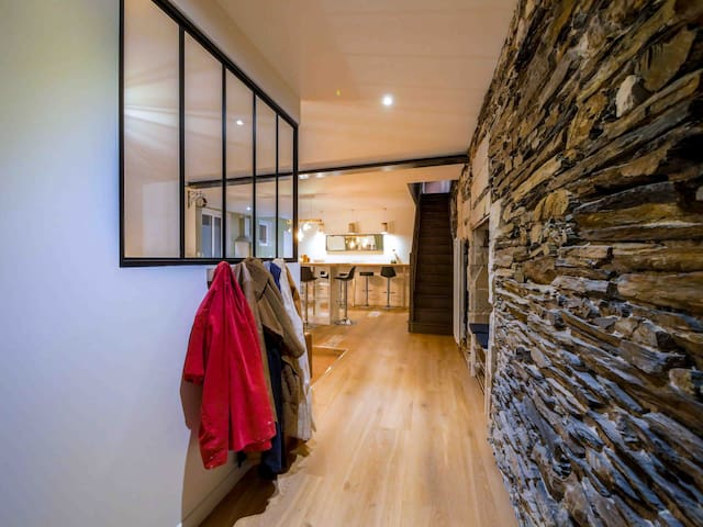 Chambre privative avec salle d'eau et Wc privée