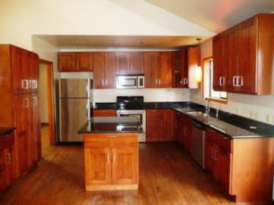 Kitchen Available to share.
