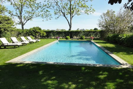 Guest house with private pool, - Bridgehampton