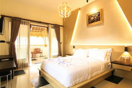 Gecko - Superior Double AC Room 2 - Pujut - Bed & Breakfast