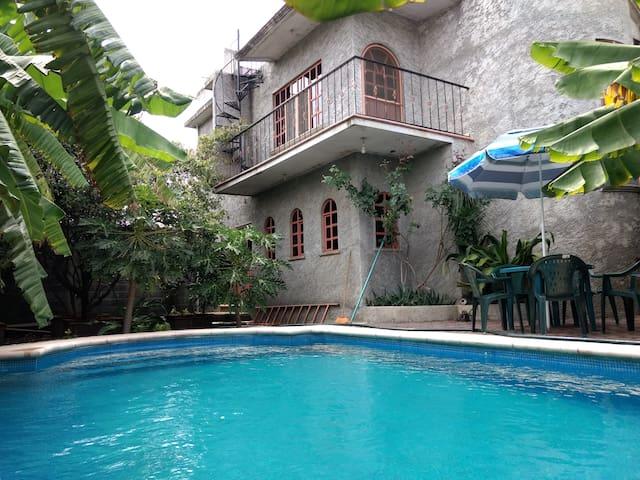 Casa con alberca cerca de Cuautla Morelos