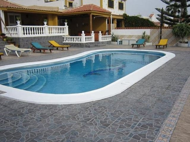 Villa with private pool - Las Galletas - Villa