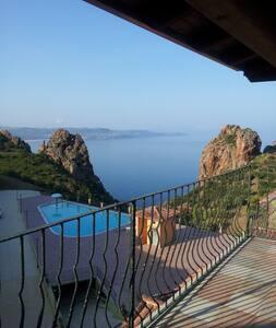 Casa Mario sea view Sardinia. - Nebida