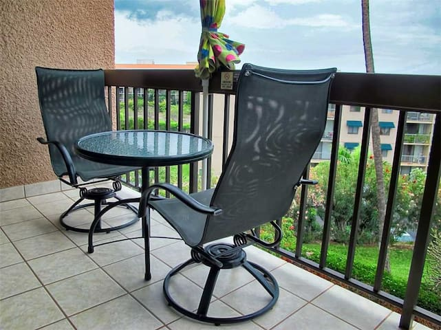 Maui Vista 3303 - Sunset Ocean View Upgraded Condo - Kihei