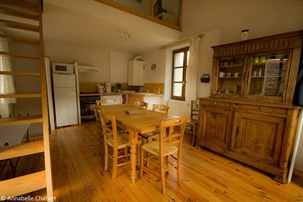 Le Tomple - cuisine et séjour