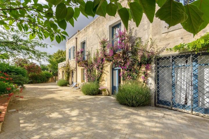 Villa Titì - Charming ancient country Mansion