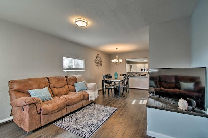 Modern Apartment - 5 Mi from Downtown Denver!