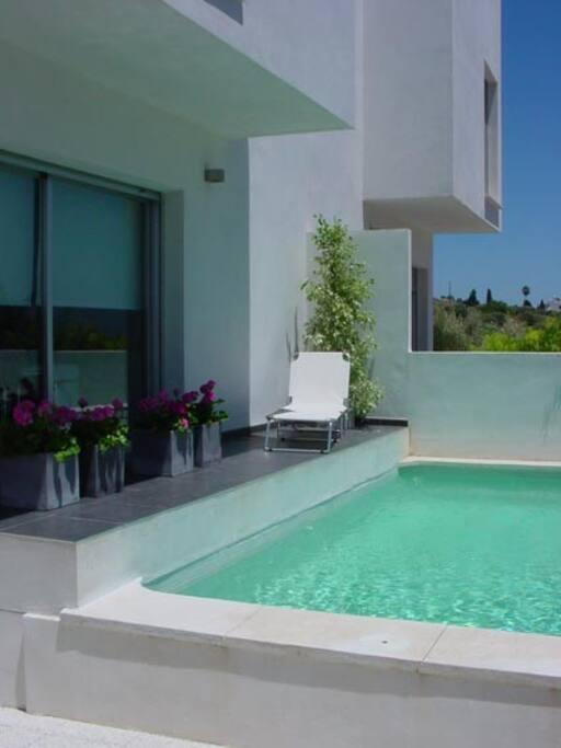 Casa con piscina villas del sur m laga casas en for Casas con piscina en malaga