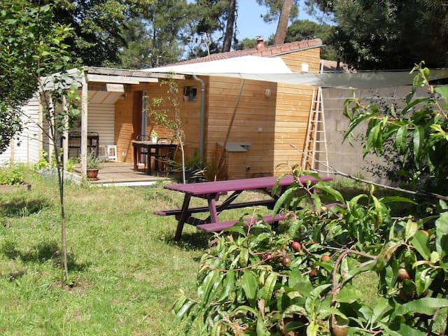 Studio de charme avec jardin.