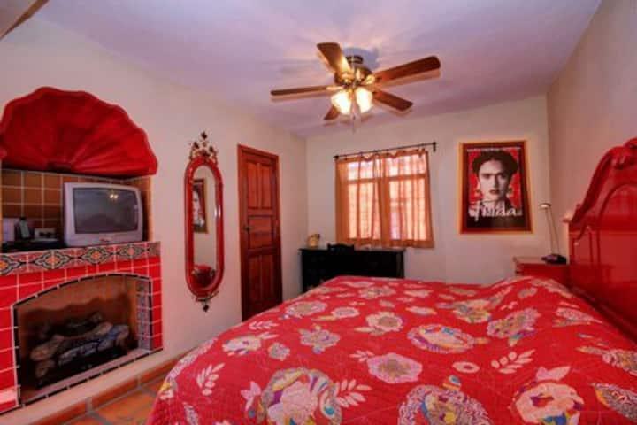 "CENTRO 1 BDR ""Salma"" KING bed EXC mo rates WiFi 50"
