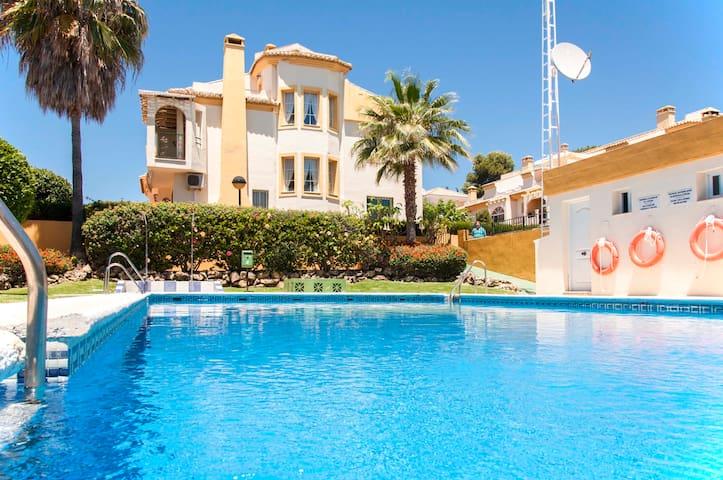 Large, quiet chalet, 350m fr beach - Marbella - Dom