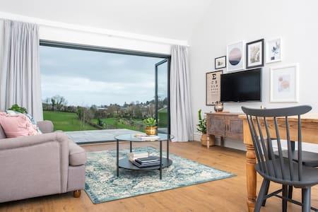 Kilnside - Brand new luxury cottage in Uplyme