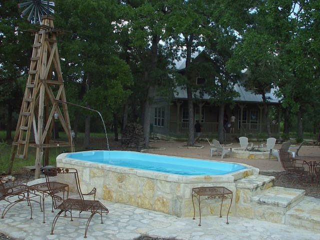 Creekside Guesthouse- Leakey, Texas - Leakey - 一軒家