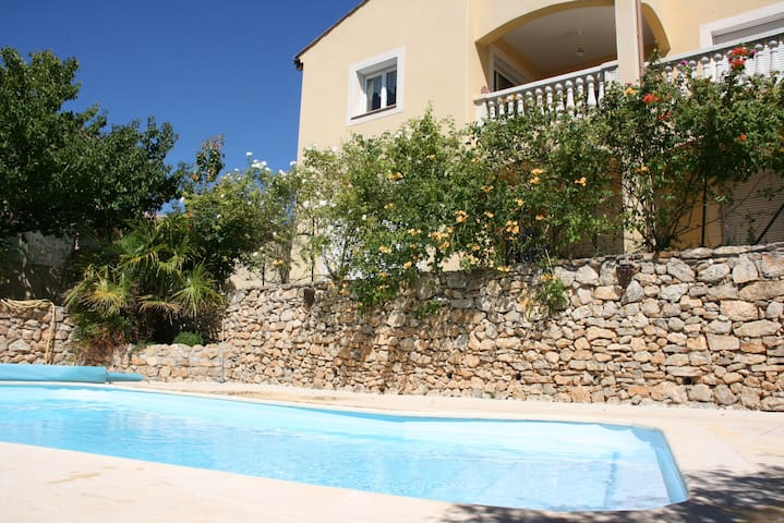 Rez de jardin avec jardin, piscine - Murviel-lès-Montpellier - บ้าน