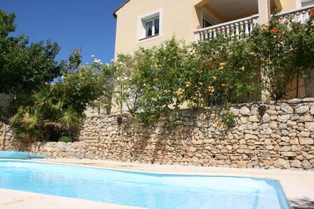 Rez de jardin avec jardin, piscine - Murviel-lès-Montpellier - Hus
