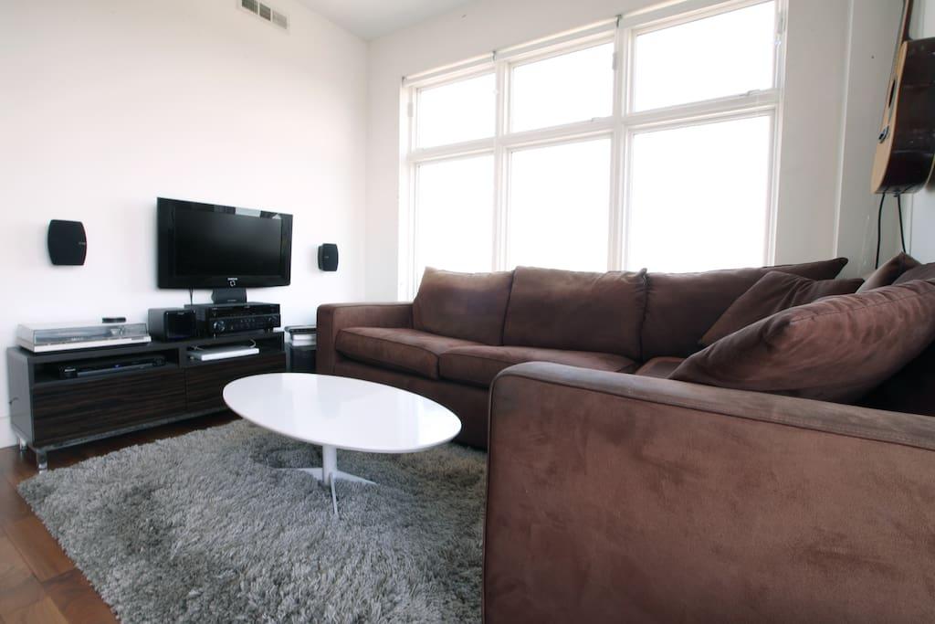 8th Floor Williamsburg Condo Apartments For Rent In