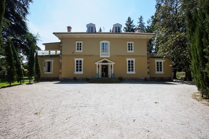 Casa Señorial de lujo - Iruz