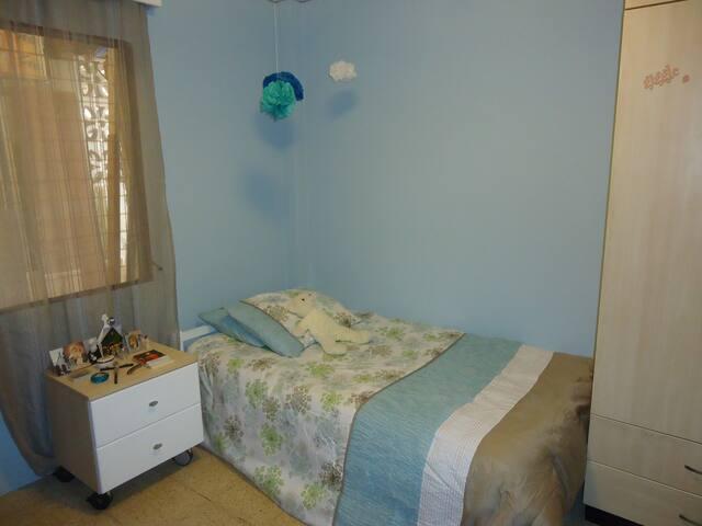 Habitación con una cama y baño compartido - Guayaquil - Bed & Breakfast