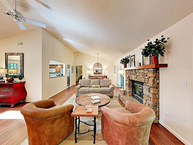 Updated Home w/ Fireplace, Screened Porch & Pool!