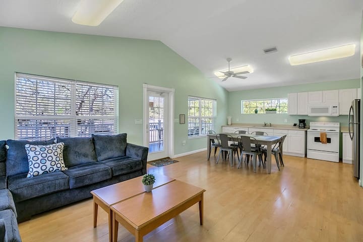 Luxe 8BR w/ 2 Heated Pools & Game Room, Near Beach