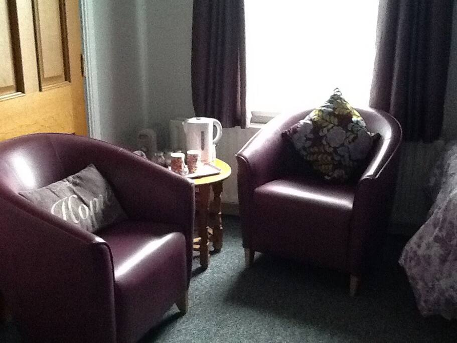 Seating area with complimentary tea tray.