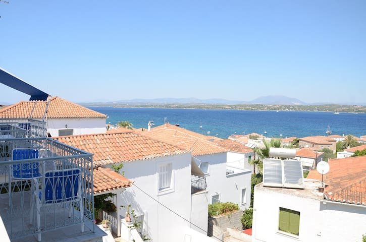 """""""Mata"""" with seaview in timeless Spetses"""