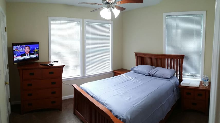 Listing S14- master bed room, WiFi cable.