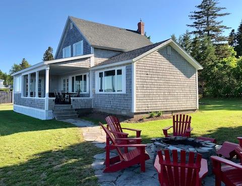 Luxury Shediac Cape Waterfront Cottage