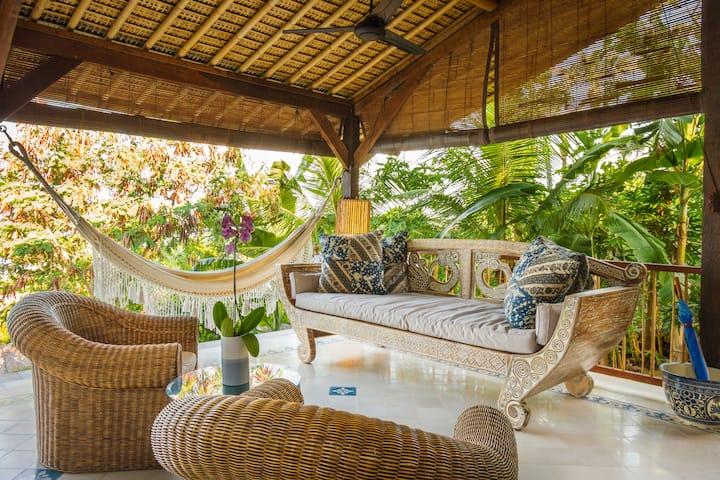 Villa Rinjani  100% Sea View, Private Pool & Beach