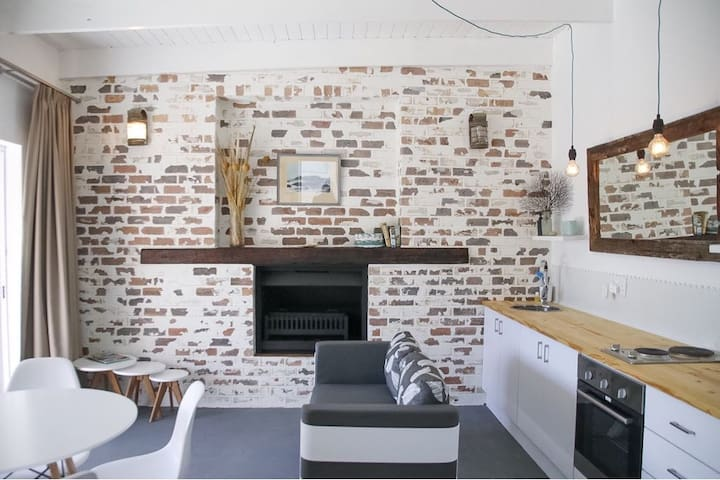 Livingroom with kitchen