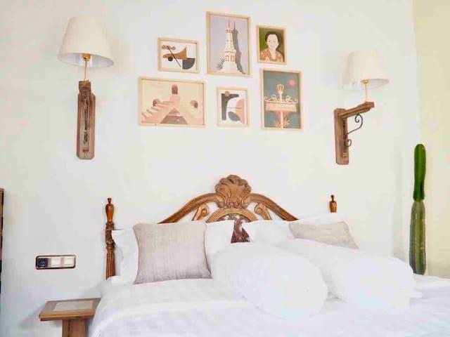 PROMO Tajug Loro #2- Modern-javanese  Family room