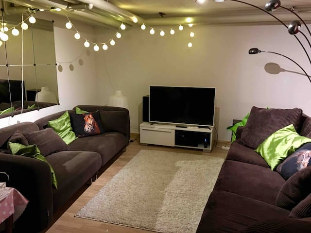 Spacious suite (57kvm) near university - sauna/tub