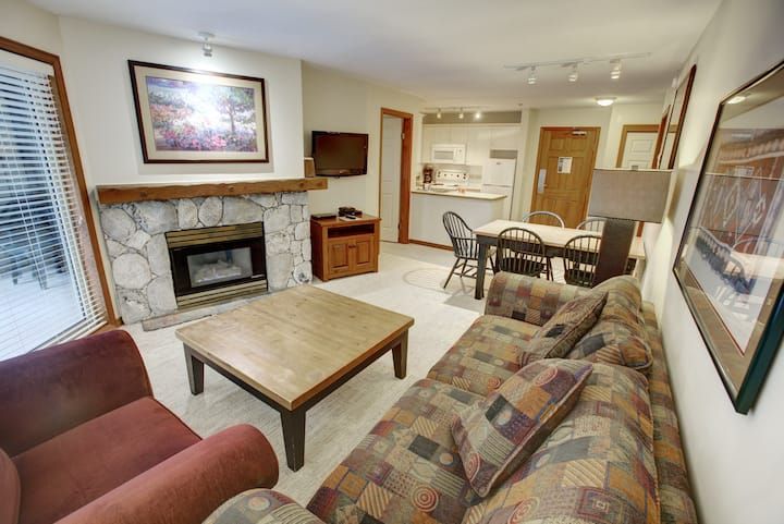 Inviting ski-in/ski-out condo w/ heated pool, hot tub, fireplace, & elevator